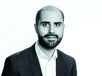 Advokat Espen Kheradmandi <br/>i Huseierne.