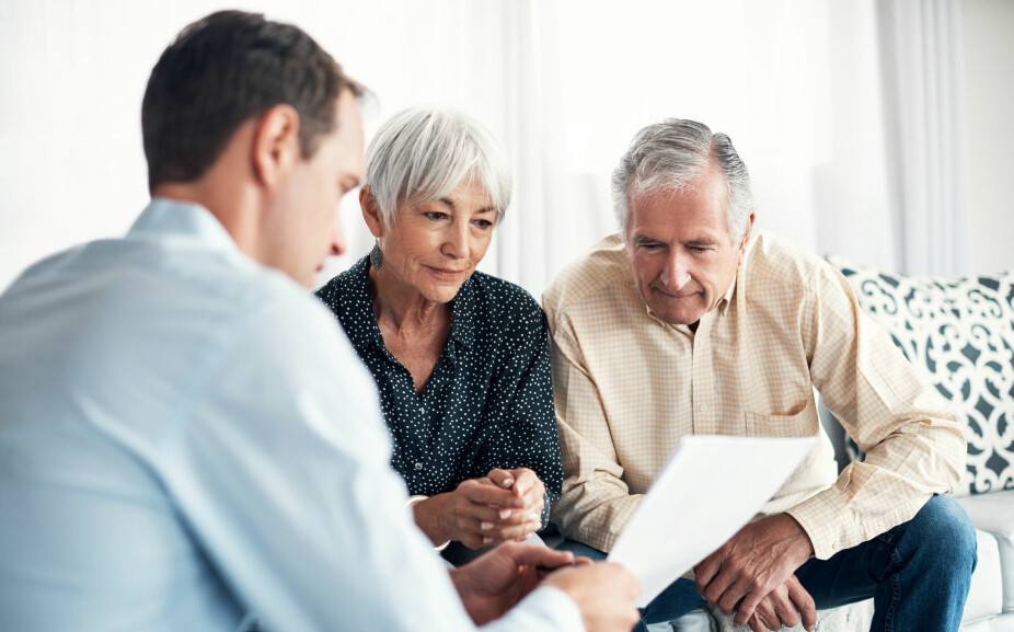 TROUBLE TO THE BIDING ROUND: Broker Borgen says that a bidding process can be experienced as difficult by older people.  A bidding round with a high pace, where everything happens digitally, can be a deterrent for some.  It happens that older home buyers show up at the brokerage office and fill in the bid form and stay there during the bidding round, says Borgen