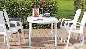 Slik rengjør du hagemøblene
