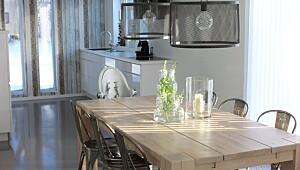 Moderne med rustikke, industrielle og romantiske elementer