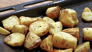 Slik blir potetene sprø i ovnen