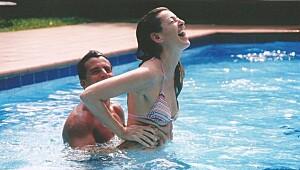 Kan jeg svømme når jeg har mensen?