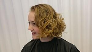 Denne frisyren lages ved hjelp av servietter!
