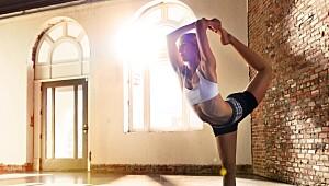 14 ting yoga gjør med kroppen din!