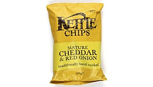 Kettle Chips Mature Cheddar & Red onion
