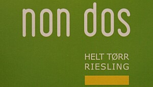 Non Dos Helt Tørr Riesling 2011