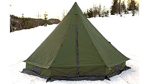 High Peak Hunters Lodge 8–10
