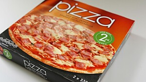 Pizza med kokt skinke, edamer og mozarella