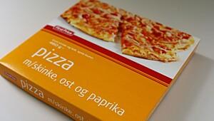 Pizza med skinke, ost og paprika