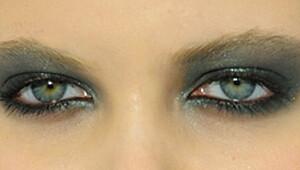Slik sminker du øynene til fest