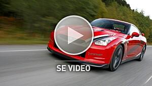 Se Nissan GT-R i action