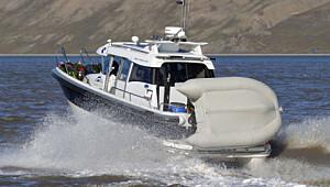 Turglad allværsbåt