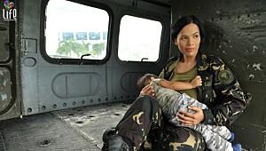 Sersjanten traff nyfødte babyer rammet av tyfon